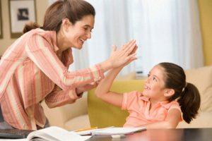 Как воспитание детей и семейная жизнь влияют на отношения со сверстниками?
